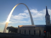 st-louis-arch-and-church